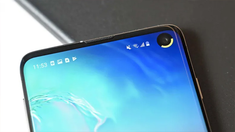 So sánh ZenFone 6 và Galaxy S10: Màn hình nốt ruồi hay camera lật? - ảnh 3