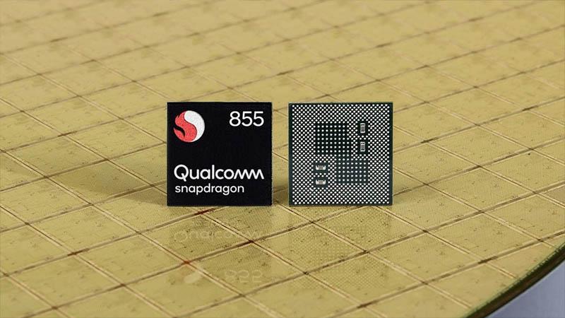 So sánh ZenFone 6 và Galaxy S10: Màn hình nốt ruồi hay camera lật? - ảnh 13