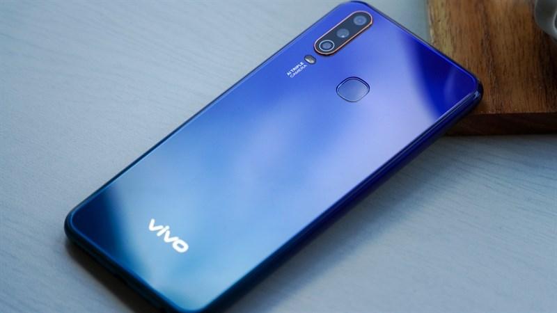 Trên tay đánh giá nhanh Vivo Y15: Màn hình giọt sương, 3 camera - ảnh 2