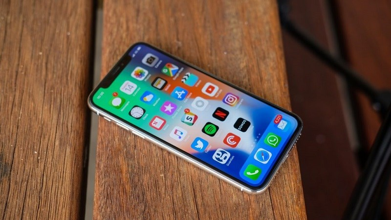 Apple sẽ thông báo với người dùng khi họ điều chỉnh hiệu năng iPhone