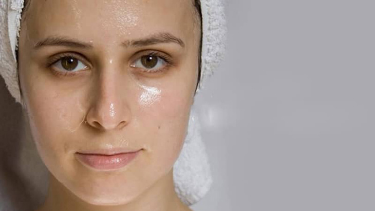 Da nhờn hay còn gọi là da dầu.