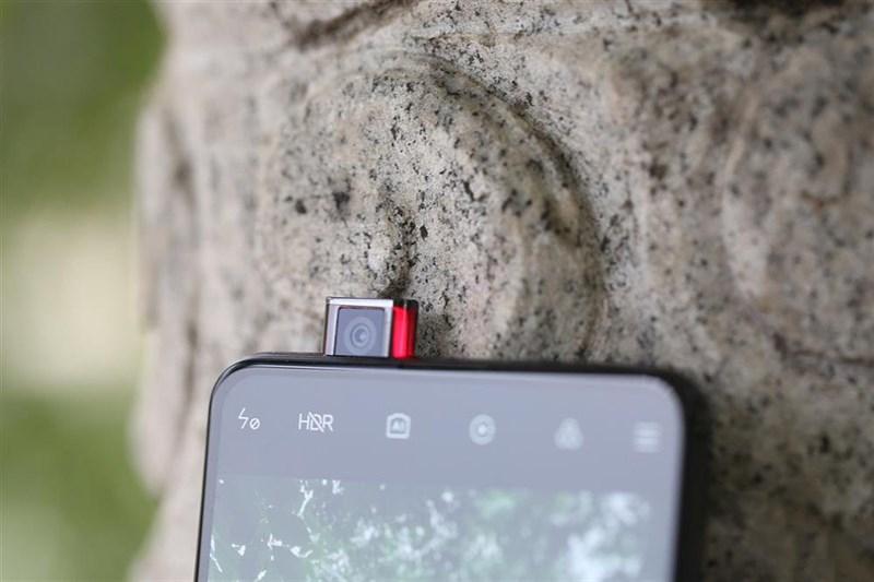 Camera selfie pop-up của Redmi K20 Pro có độ phân giải 20 MP