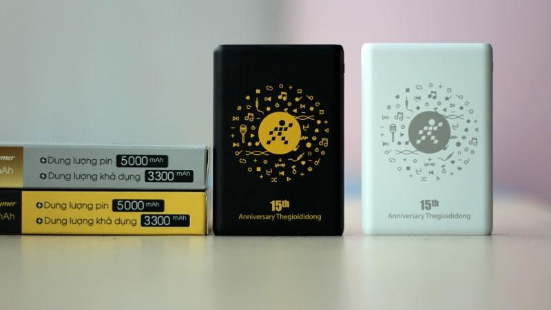 Đánh giá bộ pin sạc dự phòng kỷ niệm 15 năm Thế Giới Di Động