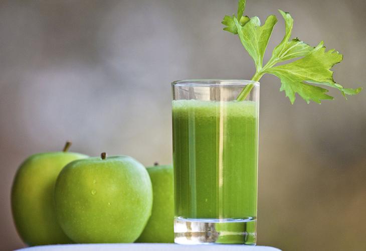 Nước ép cần tây + táo + mật ong