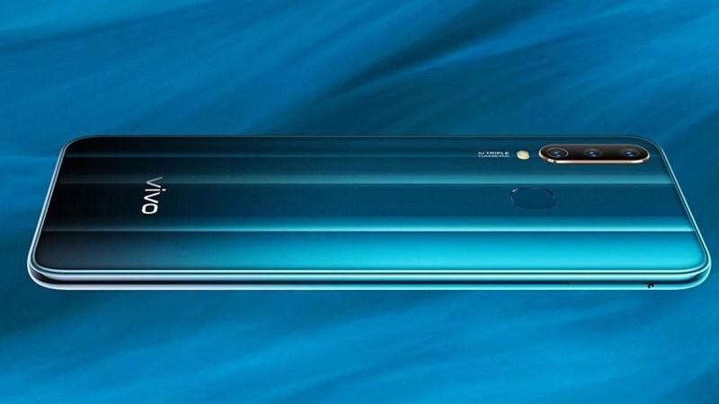 Vivo Y12 ra mắt: Pin 5.000 mAh, ba camera sau, giá từ 4 triệu đồng