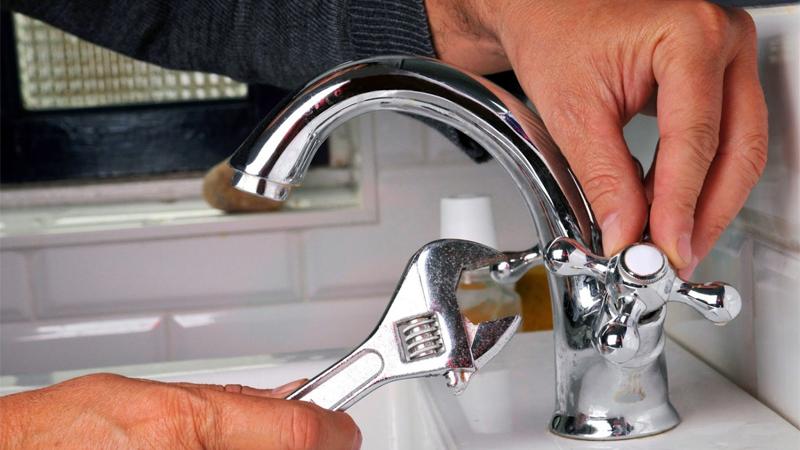 Vòi nước nhà bạn quá yếu, phải làm sao đây?