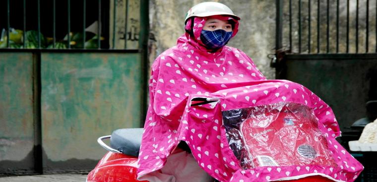 Cách khử mùi áo mưa và giữ áo mưa không bị hôi