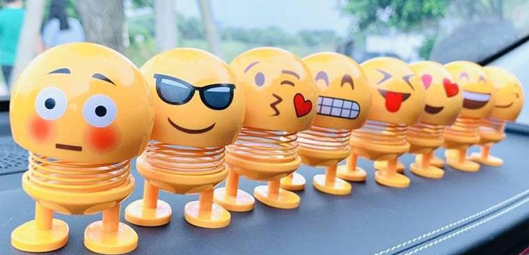 Đồ chơi thú nhún Emoji hot, chứa nguy cơ gây ung thư