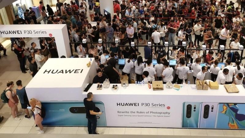 Huawei dự tính doanh số smartphone toàn cầu của mình sẽ giảm mạnh