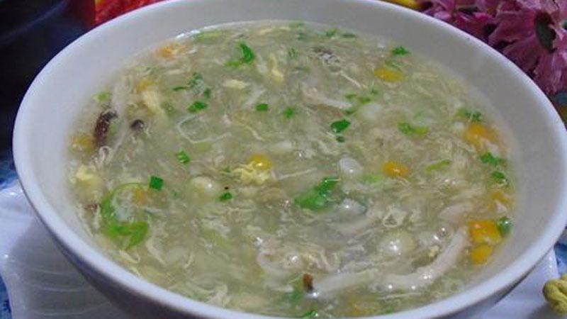 Khai vị bữa sáng cho bé với món súp ngô giàu dinh dưỡng