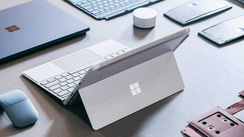 Máy tính Surface 2019 của Microsoft có thể không còn dùng chip Intel