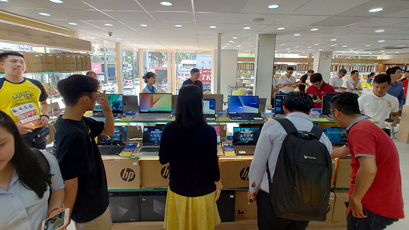 Trung tâm laptop online thế giới di động