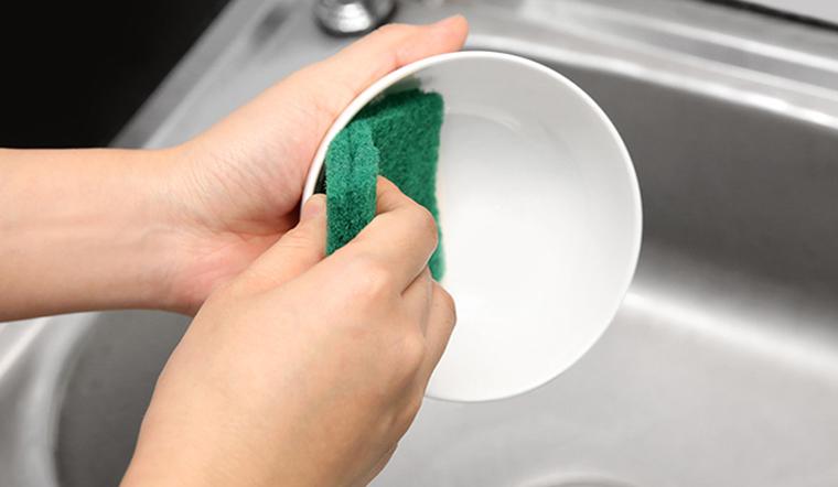Các loại miếng rửa chén và cách sử dụng của từng loại