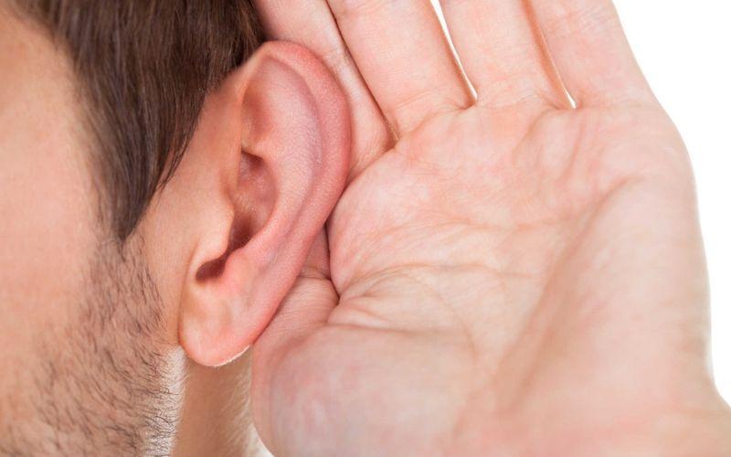 Thói quen lấy ráy tai thường xuyên có thể khiến bạn bị điếc