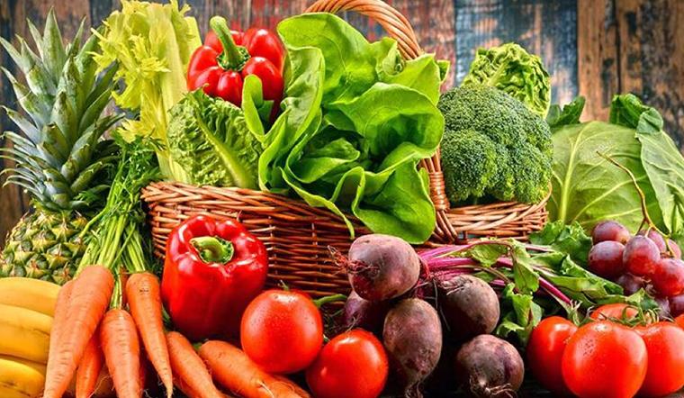 Cùng điểm danh một số loại rau củ có nhiều thuốc trừ sâu nhất và làm sao để rửa sạch đây?