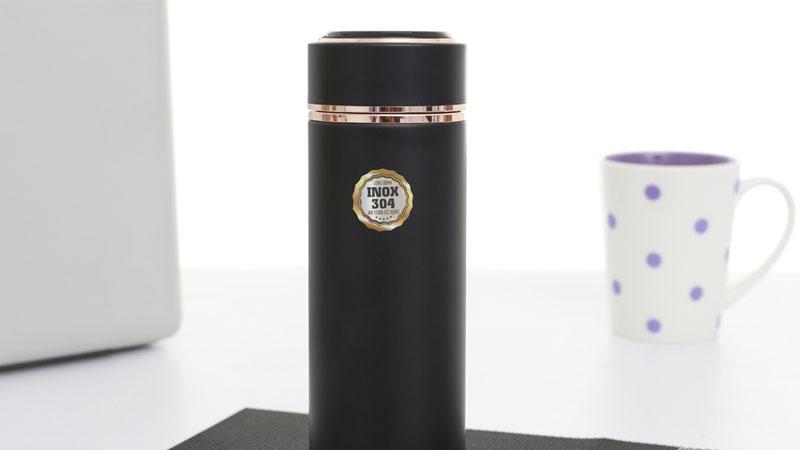 Bình giữ nhiệt có kích thước nhỏ gọn, có khả năng giữ nước và an toàn khi mang đi xa