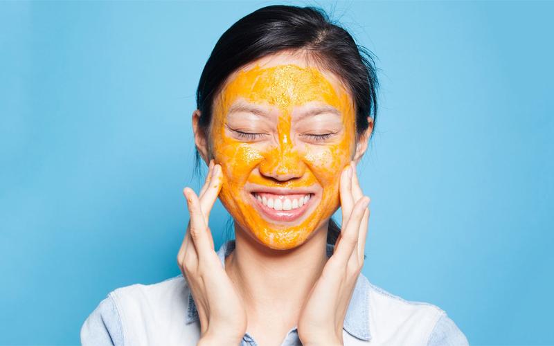 Trắng da, hết mụn với mặt nạ cà rốt mật ong