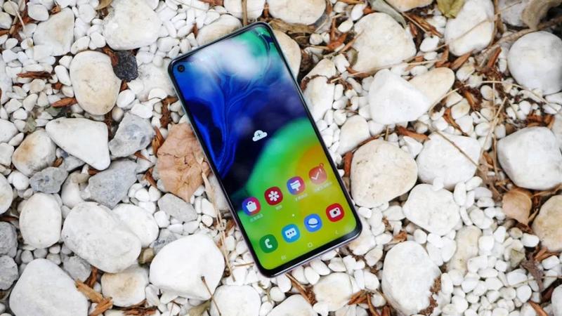 Samsung đưa Galaxy A60 về Việt Nam, huynh đệ tương tàn? - ảnh 4
