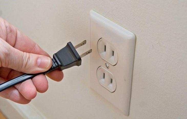 tủ lạnh sử dụng điện thường xuyên