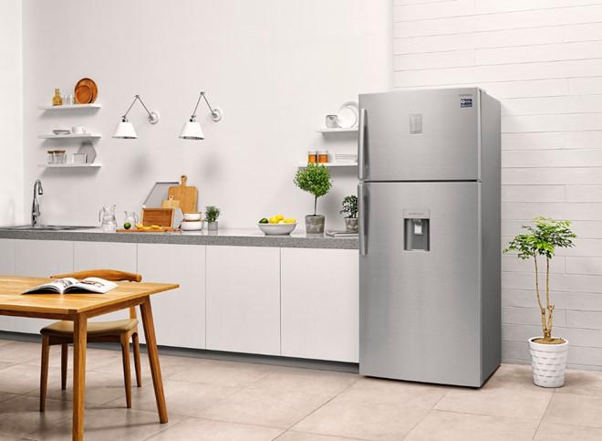 Màu sắc tủ lạnh hài hòa với không gian xung quanh