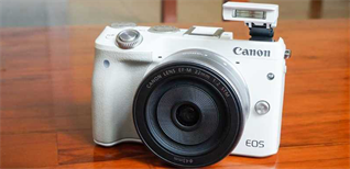 Máy ảnh Mirrorless là gì? Có gì khác so với máy ảnh DSLR?