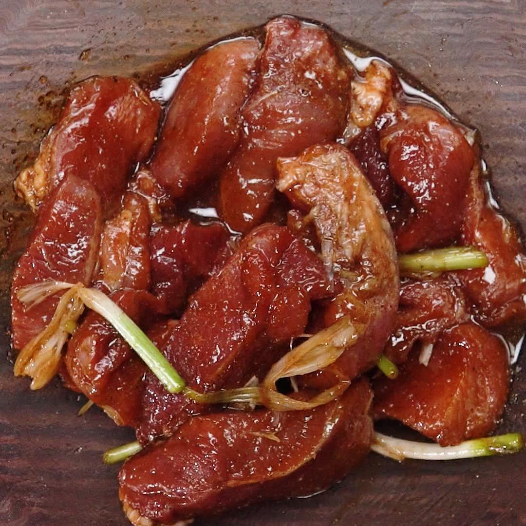 Bước 1 Ướp thịt Sốt ướp thịt nướng