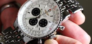 Đồng hồ automatic (cơ tự động) chạy được bao lâu? Có cần lên dây cót không?