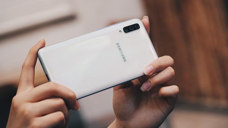Samsung khuyến mãi tháng 8