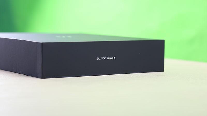 Đập hộp Xiaomi Black Shark 2 phiên bản cao cấp nhất: Vừa đẹp vừa sang - ảnh 2