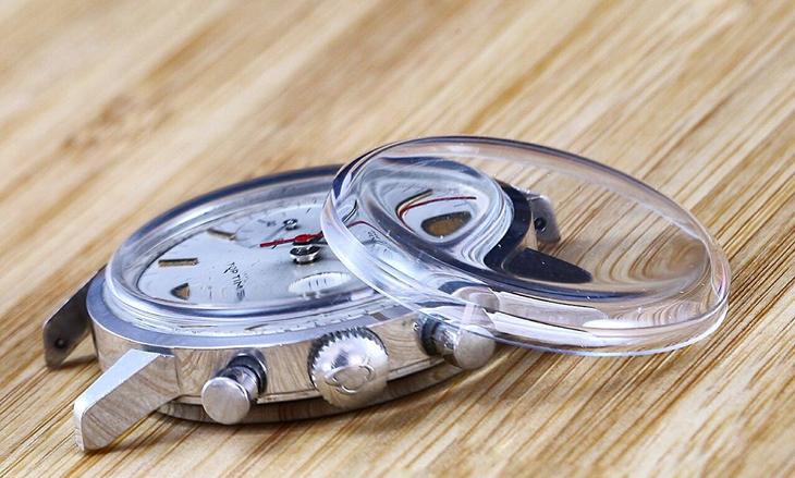 Đồng hồ mặt kính khoáng