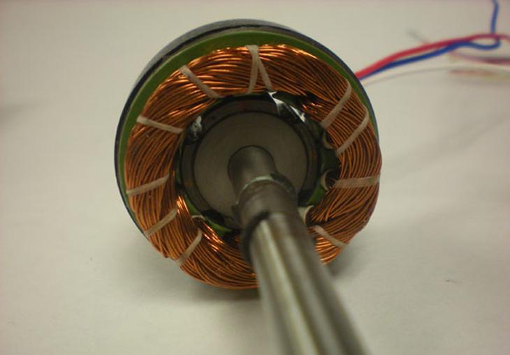 Động cơ không chổi than: Cuộn dây được đặt trên phần stato (phần tĩnh động cơ)