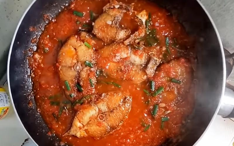 Cá thu kho cà chua đậm đà đưa cơm, ăn liền mấy chén