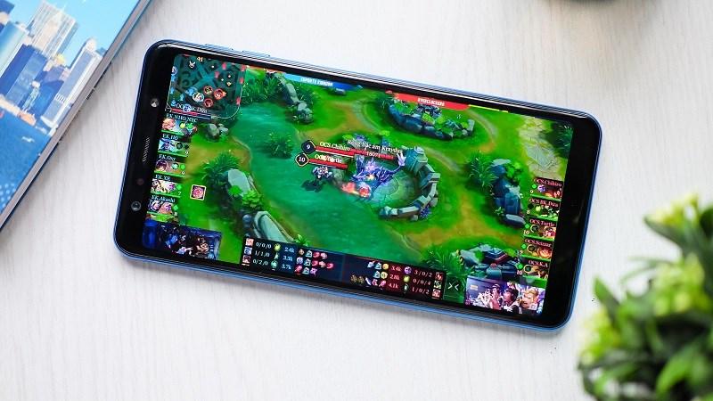 Galaxy A7 giảm giá sốc