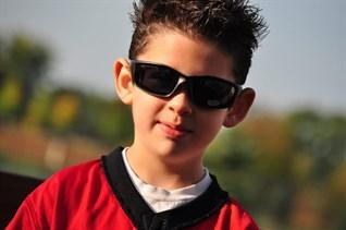 5 lưu ý để chọn kính mát trẻ em đúng và phù hợp