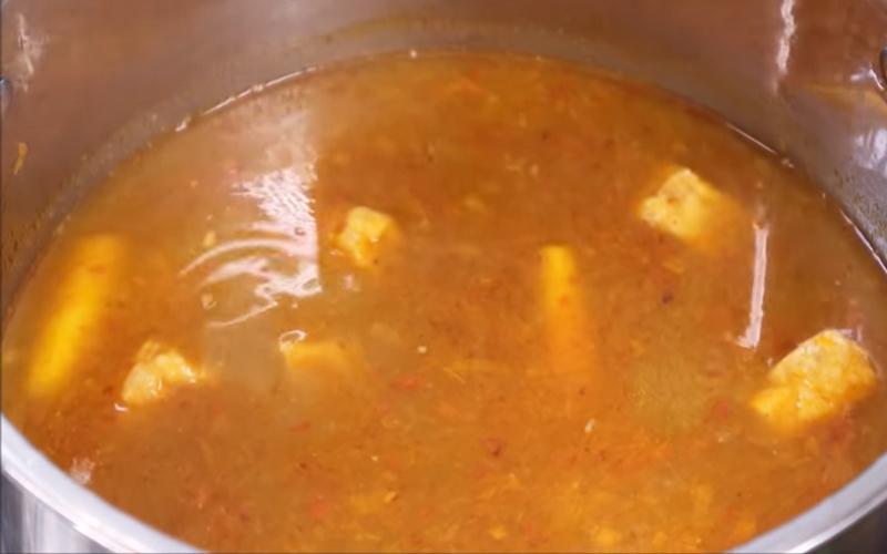 Lẩu thái chay chua chua cay cay, vừa ăn vừa hít hà khen ngon