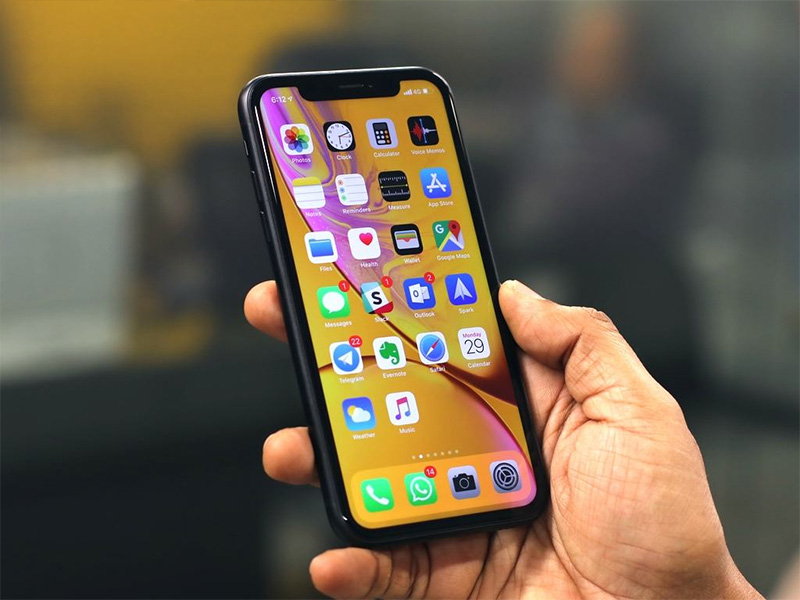 Trên tay & đánh giá nhanh iPhone 11: 'Cân' cả giới smartphone!