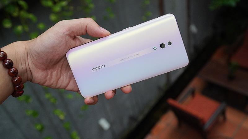 OPPO 2Z lộ ảnh thực tế: 4 camera, màn hình tràn viền đẹp mắt - ảnh 1