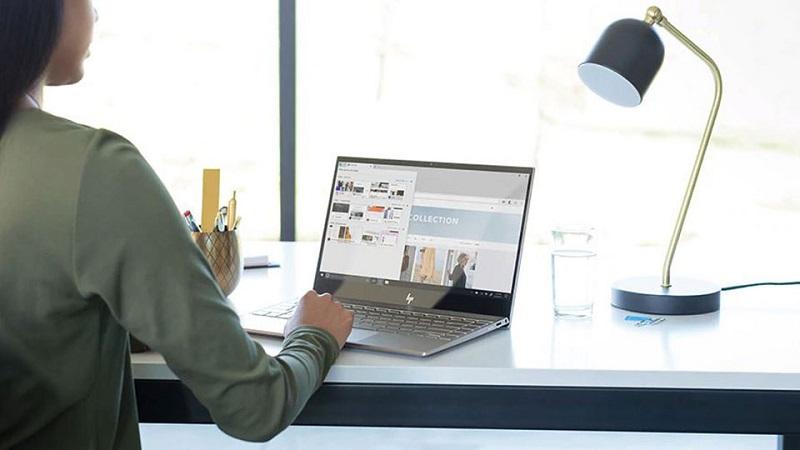 Laptop giảm giá mừng khai trương