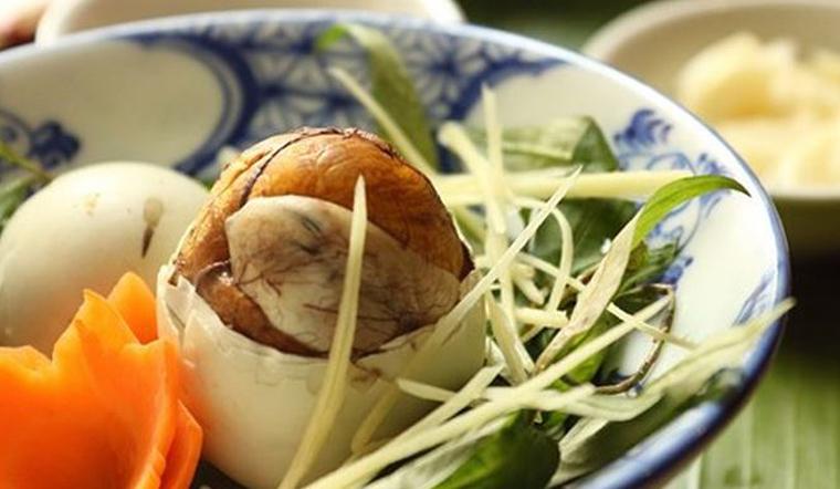 Những lưu ý khi ăn trứng vịt lộn để không gây hại đến sức khỏe