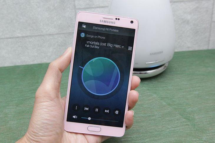 thưởng thức âm nhạc với loa Bluetooth