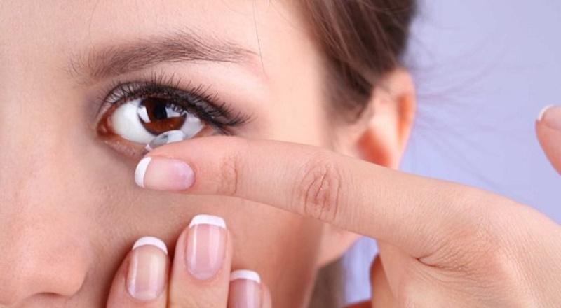 Lưu ý cần biết để đeo kính áp tròng an toàn cho mắt