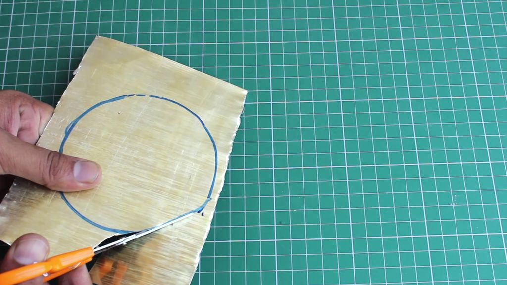 cắt tấm kim loại