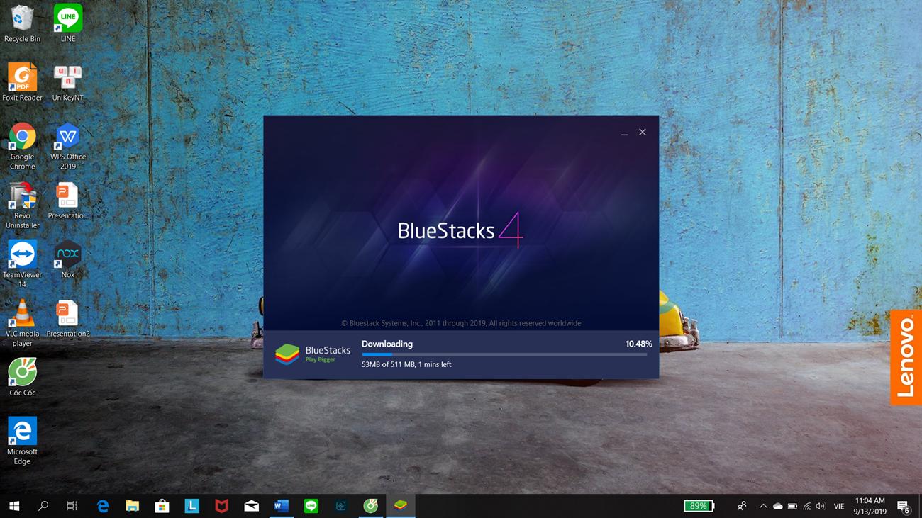Quá trình cài đặt đang diễn ra   Phần mềm giả lập BlueStacks