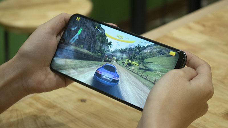 Đánh giá Samsung Galaxy A50s: Pin 'trâu', nâng cấp camera sáng giá