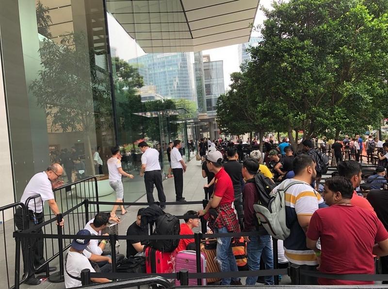 Người Việt đua nhau mang iPhone 11 về Việt Nam - ảnh 2