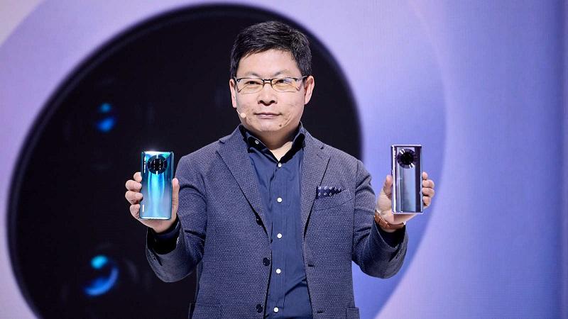 CEO Richard Yu trên sân khấu lễ ra mắt dòng điện thoại Huawei Mate 30