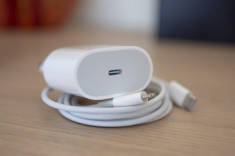 Thử sạc nhanh cho iPhone 11 Pro: Sự khác biệt rất lớn