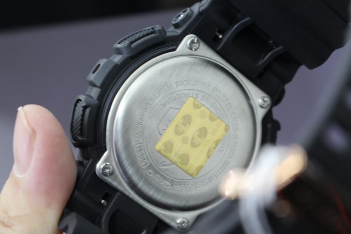 Mặt lưng đồng hồ G-Shock thật