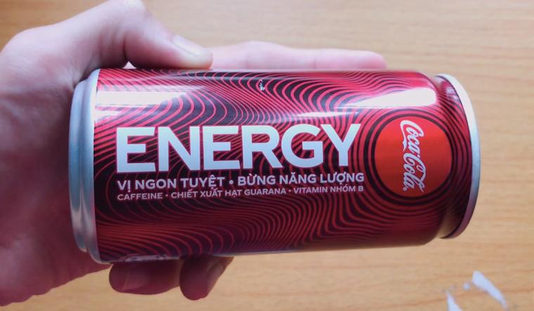 Trên tay Nước tăng lực thế hệ mới Coca Cola Energ, mới lạ và độc đáo