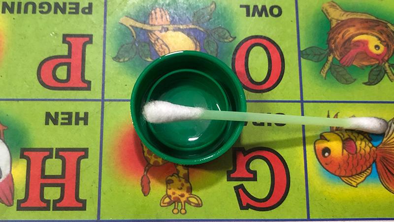 Khoá kéo balo bị rích, chỉ cần bôi thứ này vào là kéo ngon lành ngay